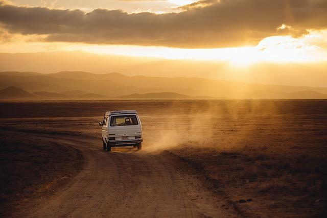 Wyjazdy międzynarodowe czy musimy podróżować własnym autem?
